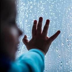 Чим зайняти дітей в дощову погоду