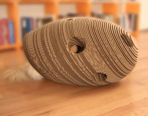 Будиночок для кішки з коробки