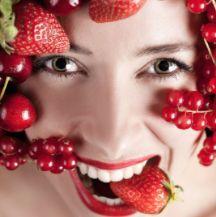 Ягідні скраби для обличчя і тіла