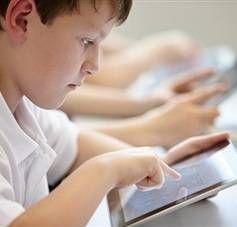 Електронні підручники та журнали в школах