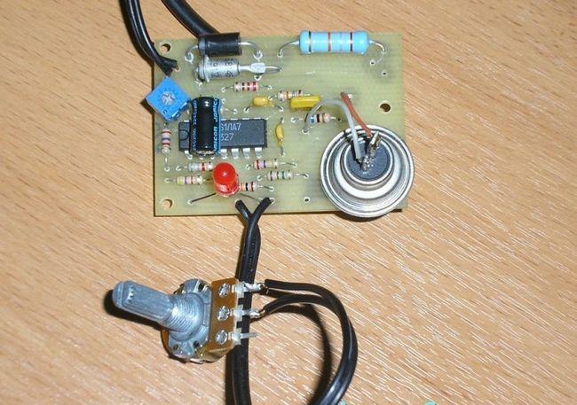 Зовнішній вигляд простого терморегулятора