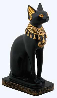Єгипетська богиня Баст в образі кішки