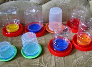 Робимо поїлку для курочок з пластикової пляшки