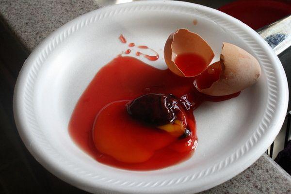 Яйце з кров`ю