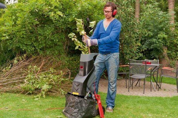 Садовий подрібнювач для трави та гілок купити