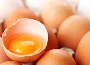 Сирі курячі яйця: користь чи шкода для людини