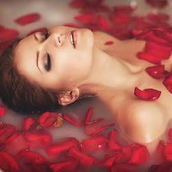 Ванни для краси. Які ванни допоможуть зволожити шкіру, побороти шкірні проблеми, підвищити пружність